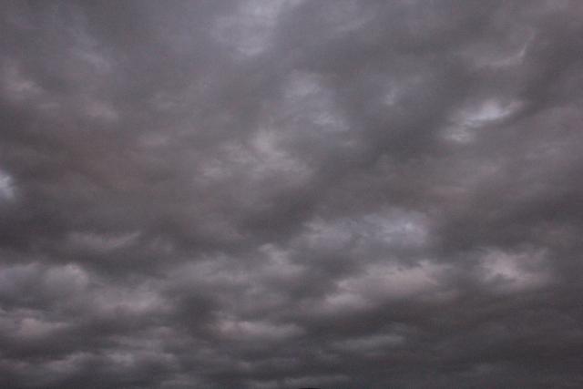 雨雲 不安