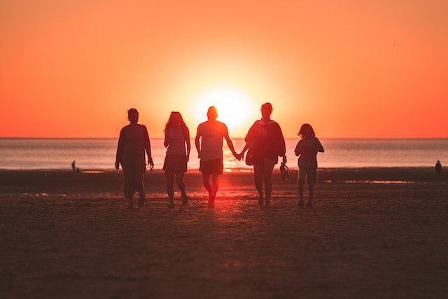 夕日と友達