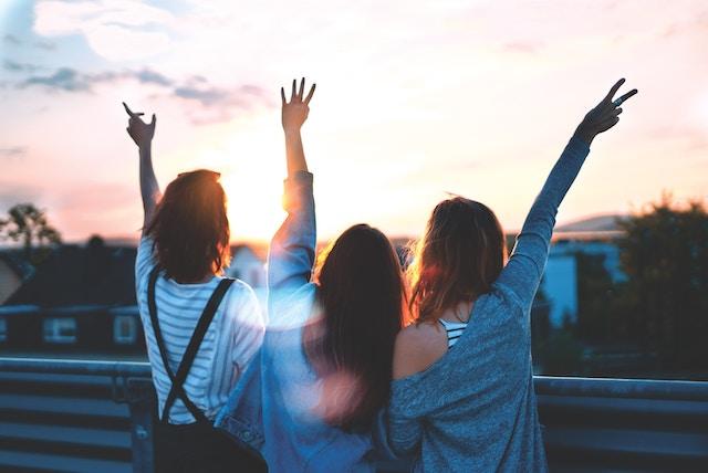 女子三人旅 友情
