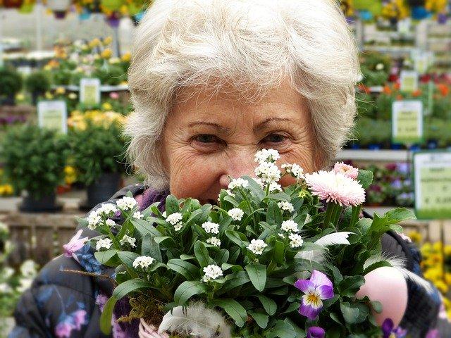 かわいいおばあさん